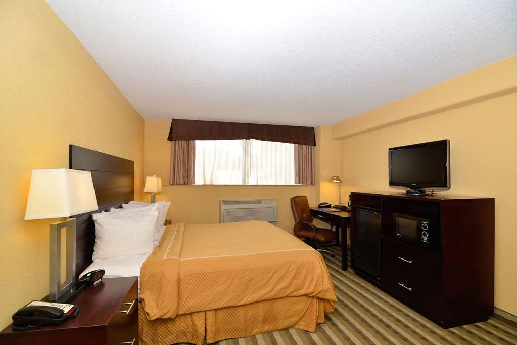 Quality Inn and Suites NY Avenue