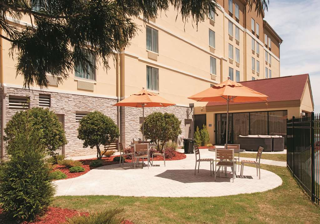 La Quinta Inn & Suites By Wyndham Atlanta Airport North