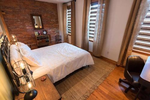 P.H. Carnegie 1BR Apartment