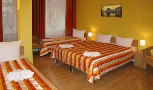 Hotel Pension Am Savignyplatz (هتل پانسیون آم ساویگنیپلاتز)