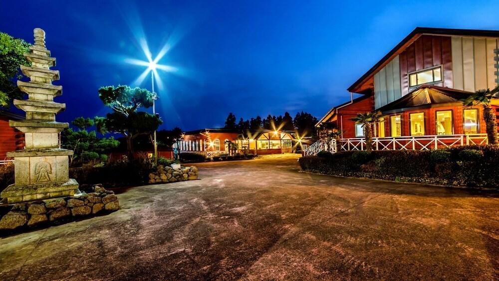 Songdangsongdang Pension and Resort