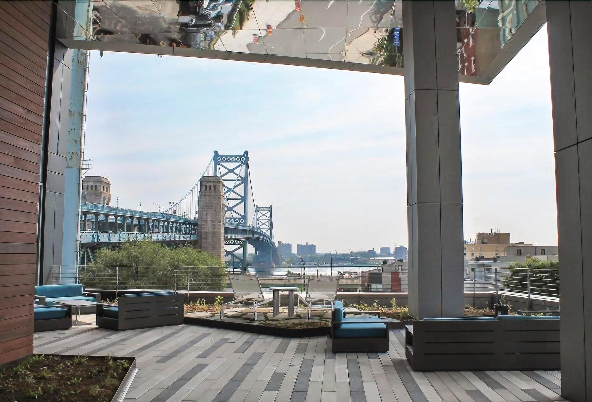 Coral Homes Designer Penthouse in Old City ZEN Suite