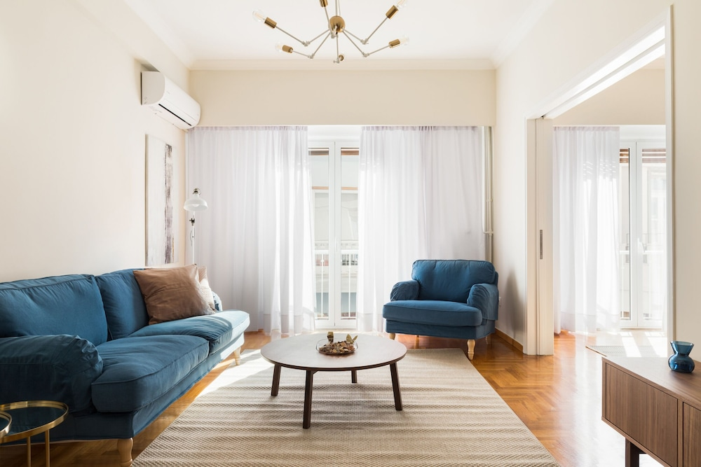 Chic Flat in the Heart of Athens by UPSTREET