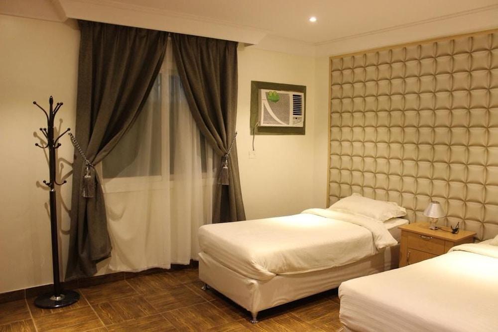 Al Amoria Furnished Apartments 5