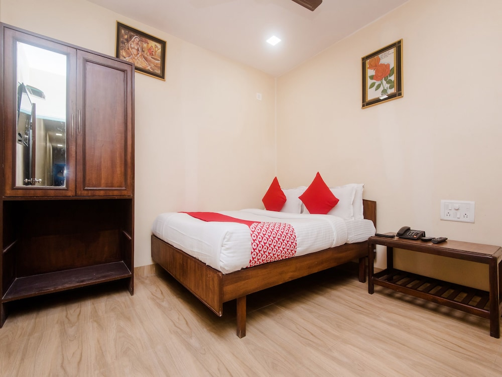 OYO 19841 Shivar Guest House