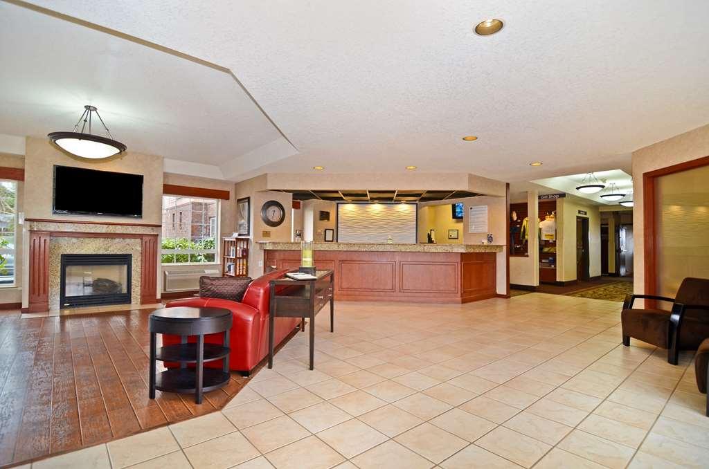 Gallery image of Best Western Plus Park Place Inn & Suites