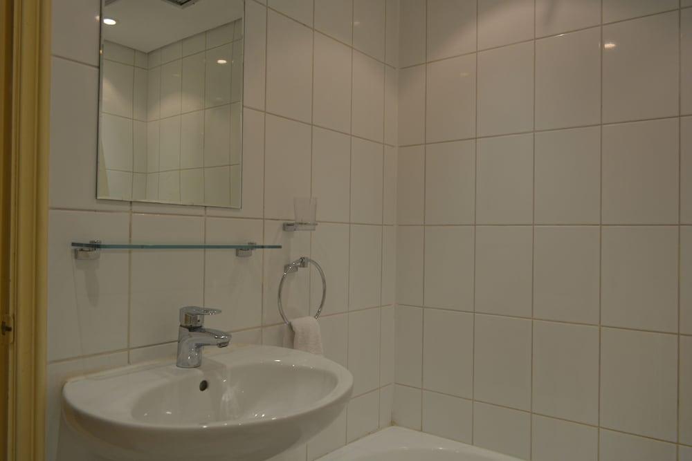 Gallery image of Carlton Tower Hotel Kuwait