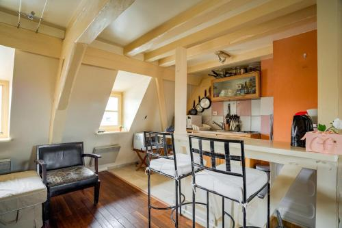 AGENCE PRO 2 room apartment 2 steps from the Cathedral