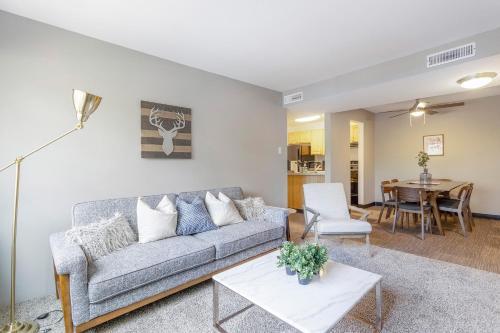 Modern Flat With Resort like Amenities