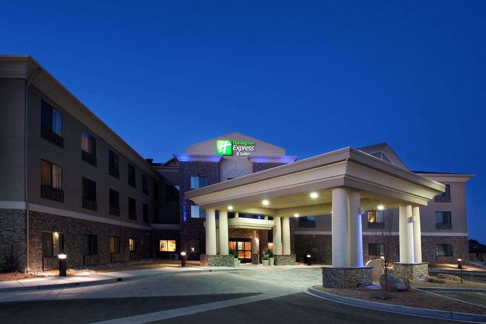 Holiday Inn Express and Suites Los Alamos Entrada Park