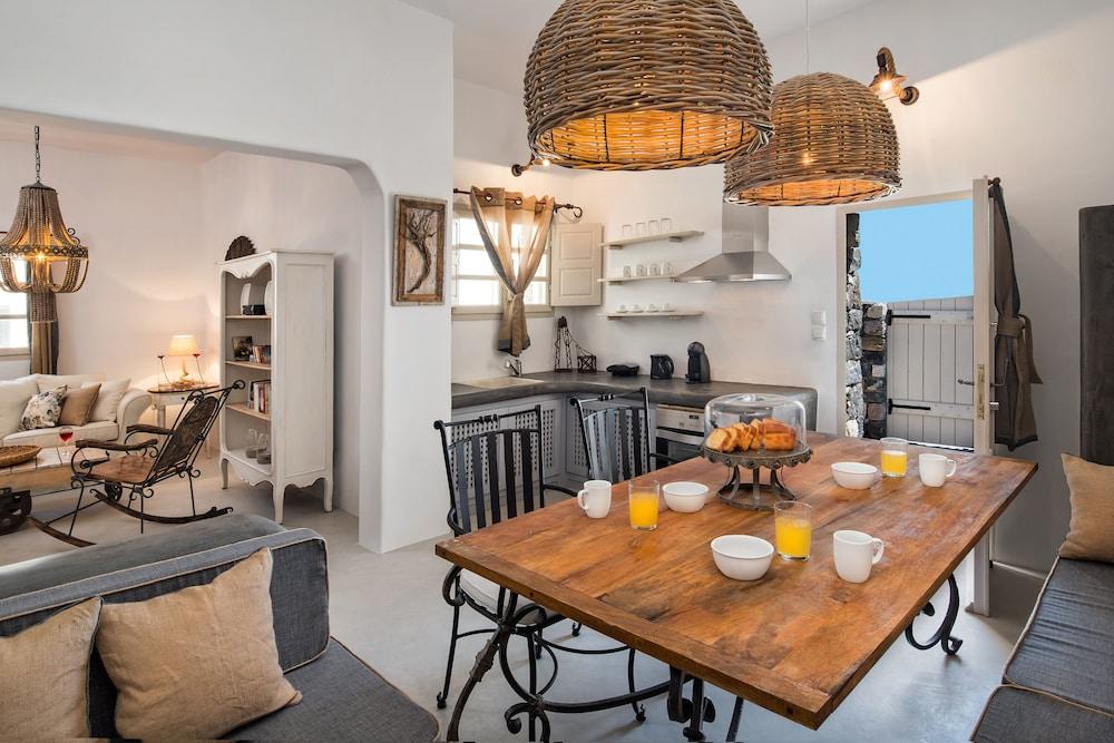 Rock Villa Myth Bioclimatic Villa Jacuzzi 110 Sq.m Up to 5 Guests