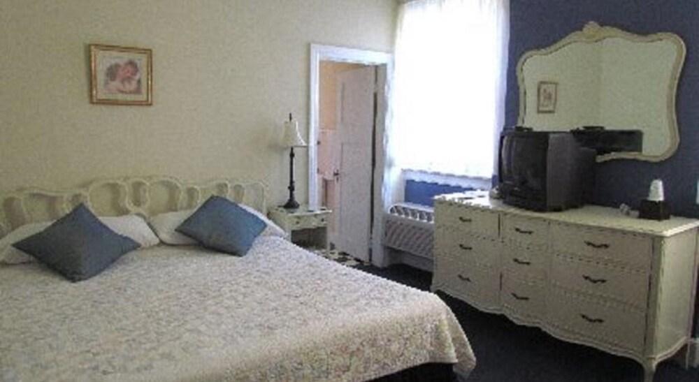 Gallery image of MacArthur Inn