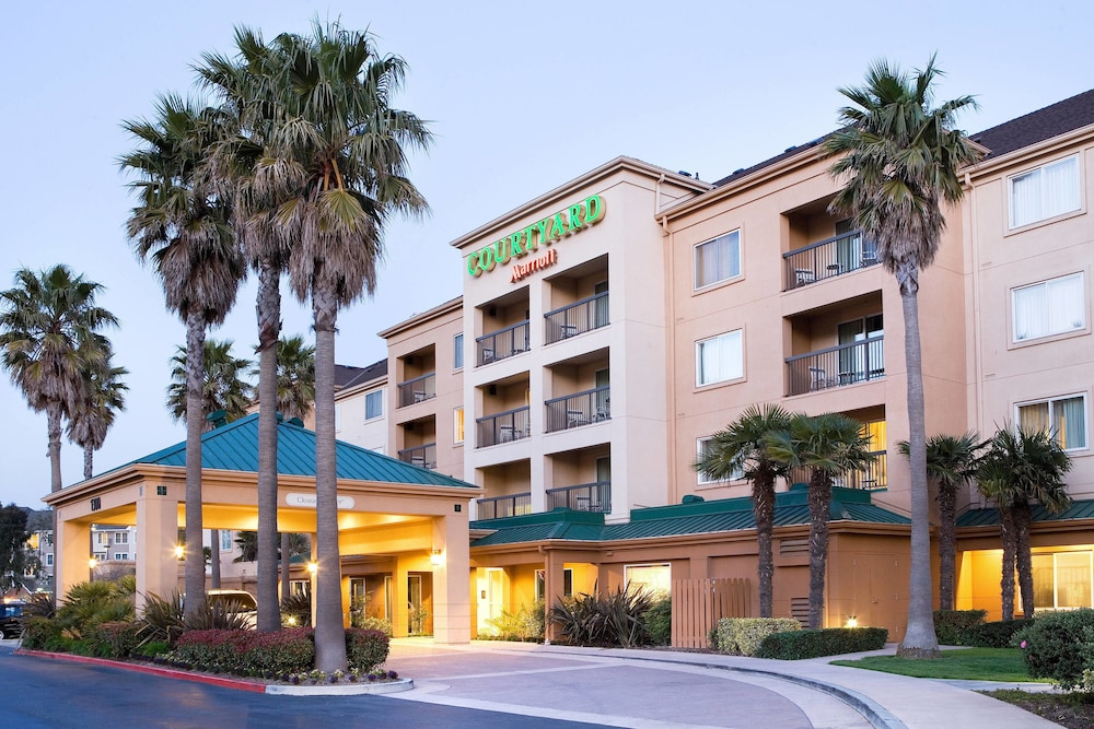 Gallery image of Courtyard by Marriott SFO Oyster Point Waterfront