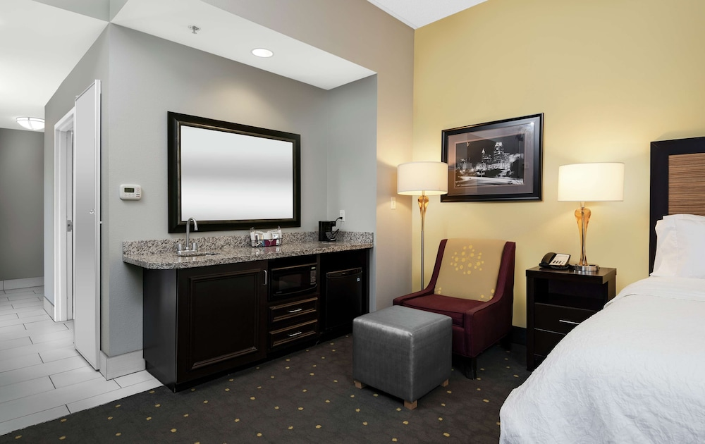 Gallery image of Hampton Inn & Suites Raleigh Downtown