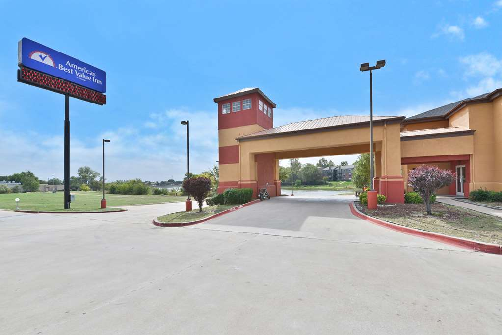 Gallery image of Americas Best Value Inn & Suites Haltom City Ft. Worth