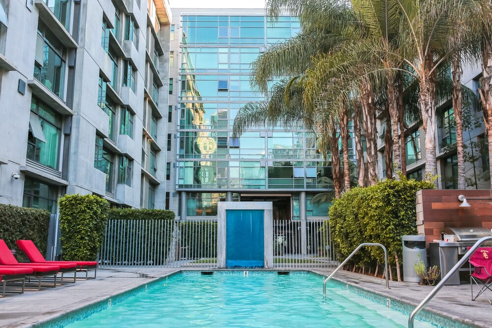 Corporate Suites Downtown In The Heart Of La