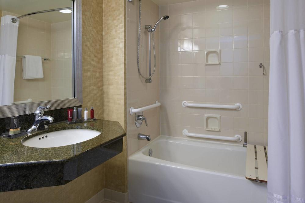 Gallery image of Marriott Milwaukee West