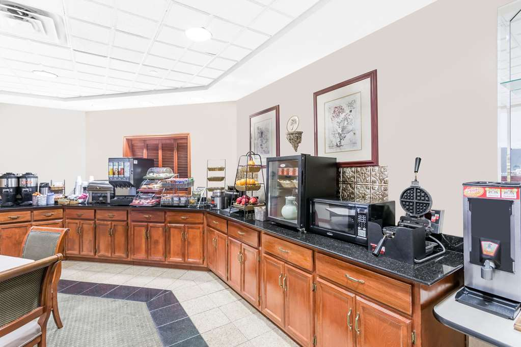 Gallery image of Wingate by Wyndham Greenville