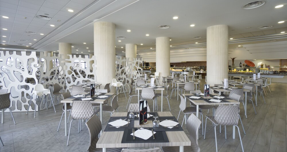 Gallery image of Hotel Puente Real
