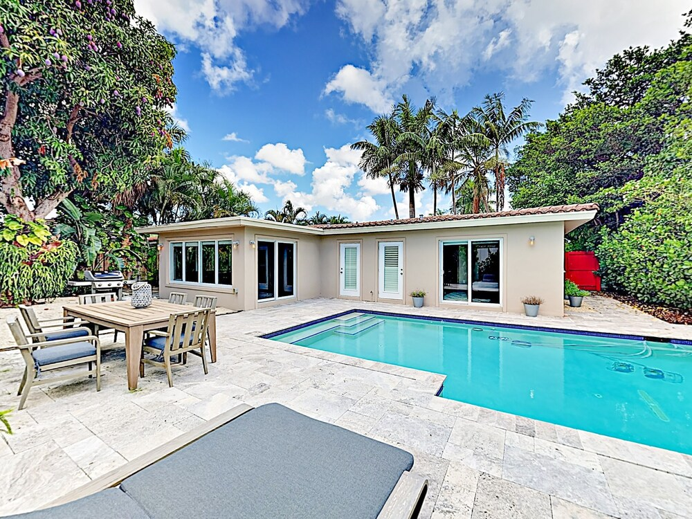 1908 Fort Lauderdale 2 Br Home