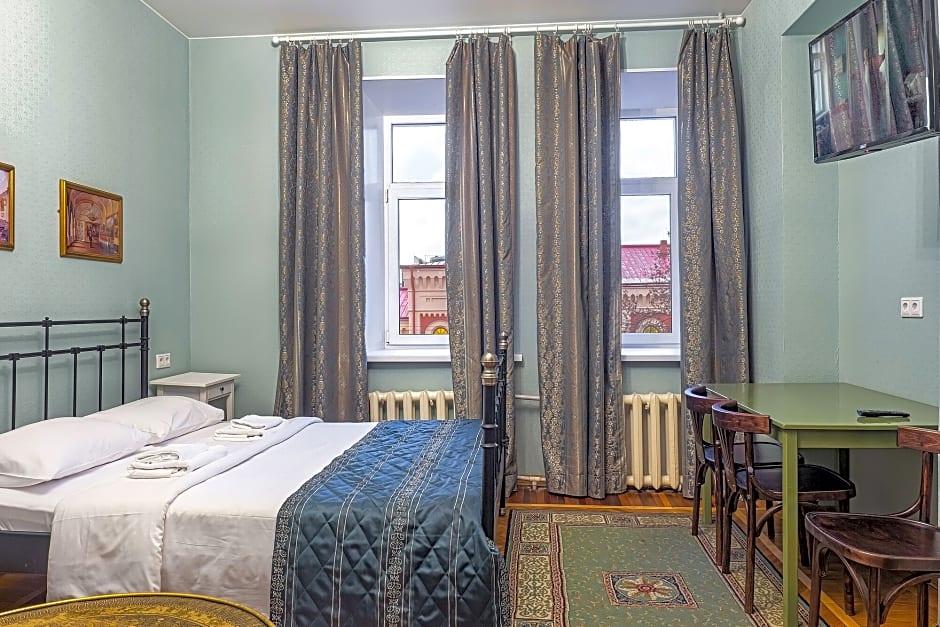 Friends Rooms on Vosstaniya