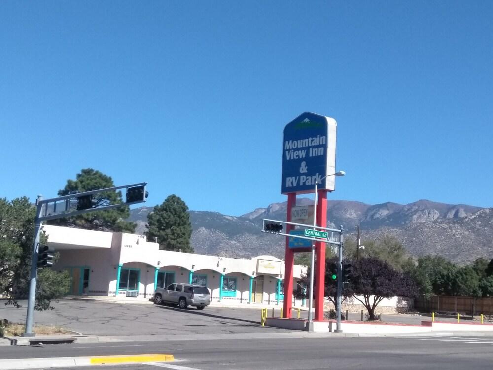 Mountain View Inn & Rv Park