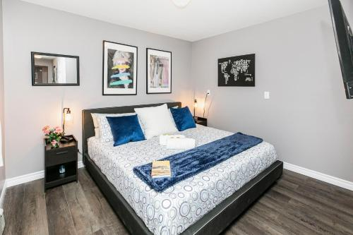 Prime DT Walk Score Stunning 1BR w Queen Bed