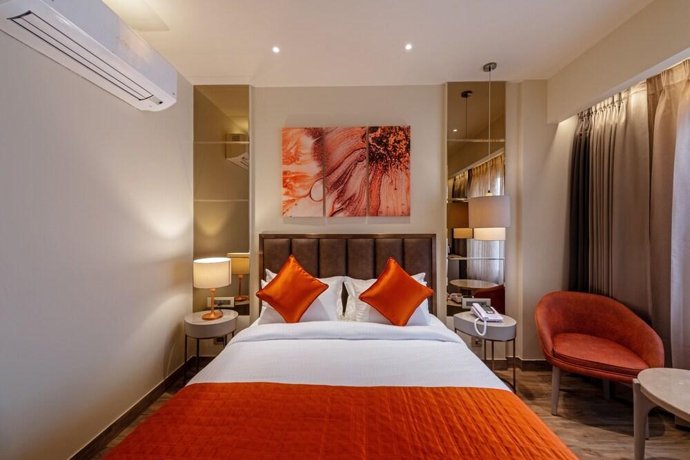 Hotel Saket 27