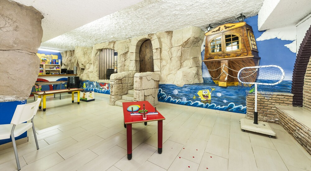 Gallery image of Globales Los Patos Park