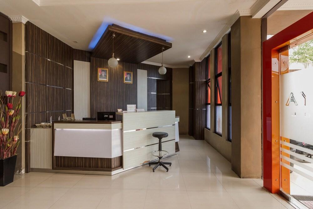 Gallery image of RedDoorz near Bencoolen Mall Bengkulu