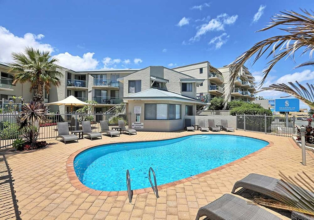 Scarborough Beach Front Resort Shell 4