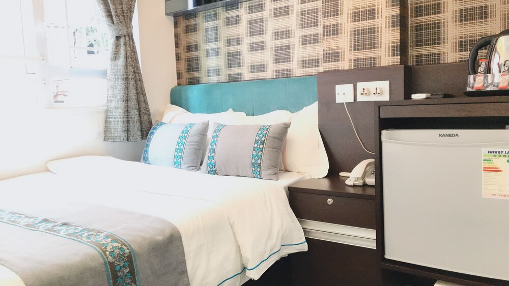 Gallery image of Seasons Hotel