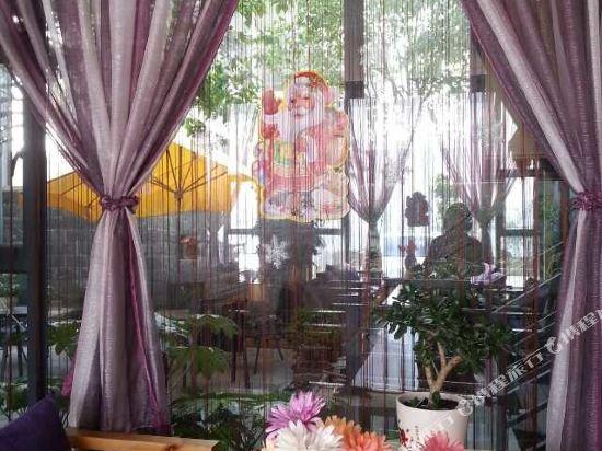 Gallery image of Lingxin Panhai Lake View Inn