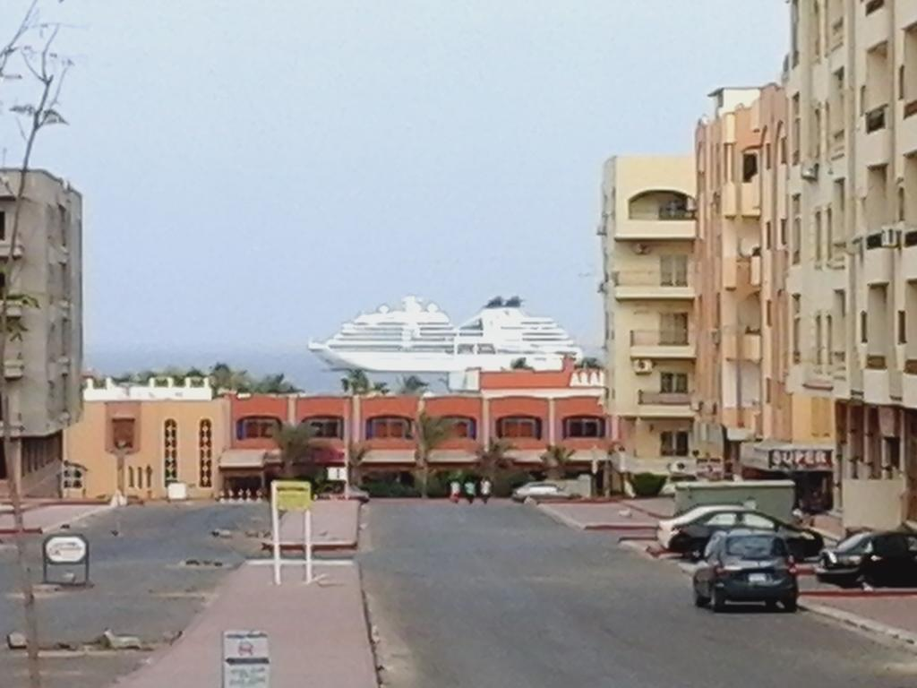 Paradise Hill Apartments
