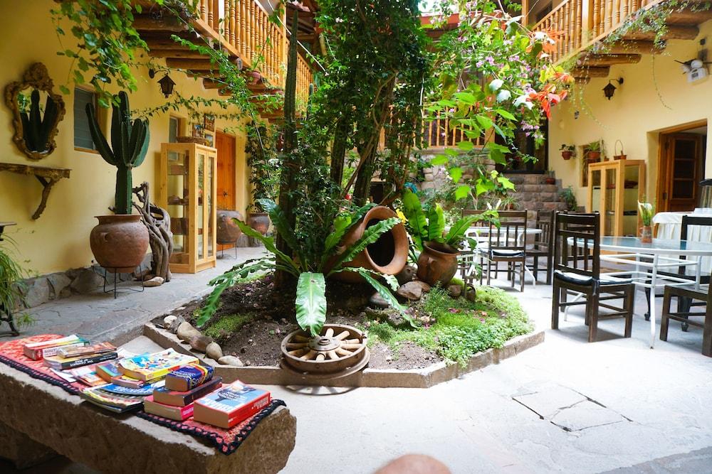 Gallery image of Apu Huascaran Hostal