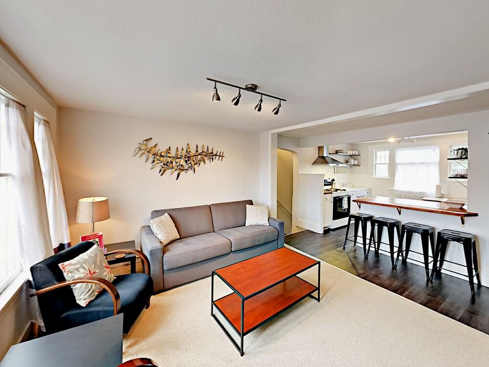 1302 N 49th St Apartment Upper Unit