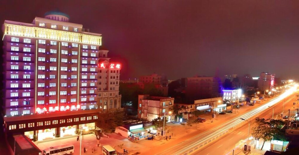 Gallery image of Sanya Jiulixiang Business Hotel