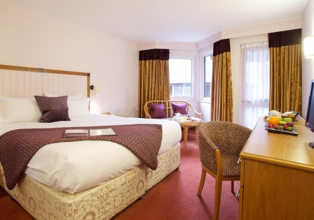 Gallery image of Marwell Hotel