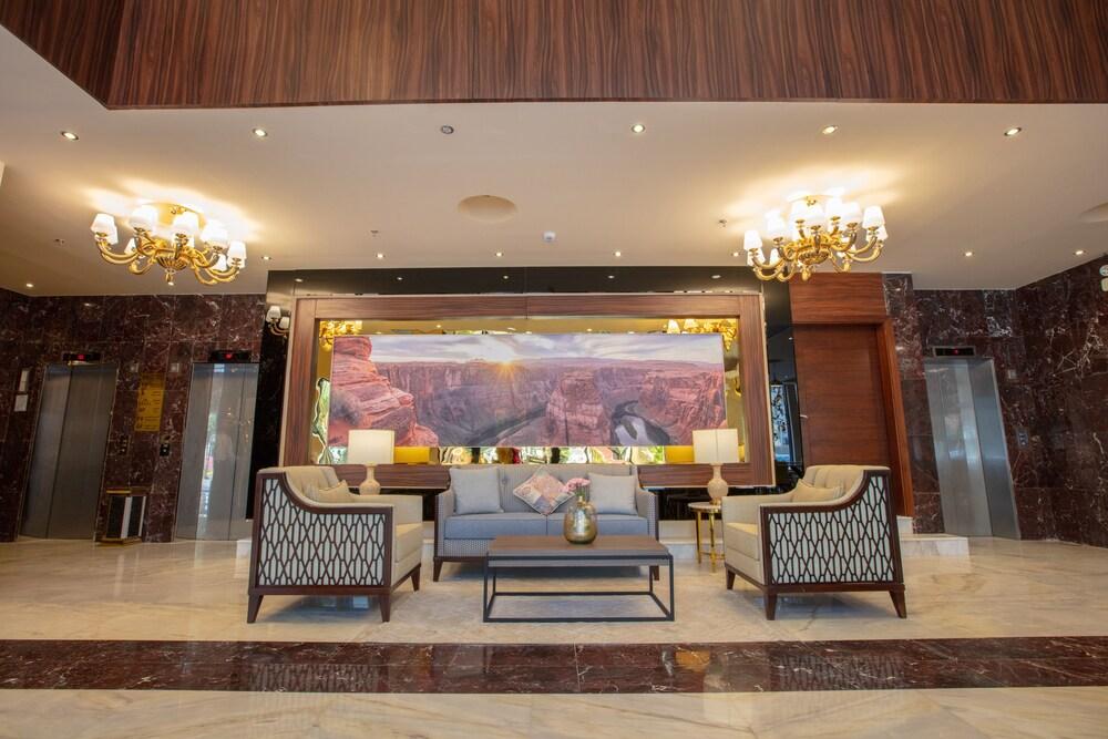 Seasons Park Hotel