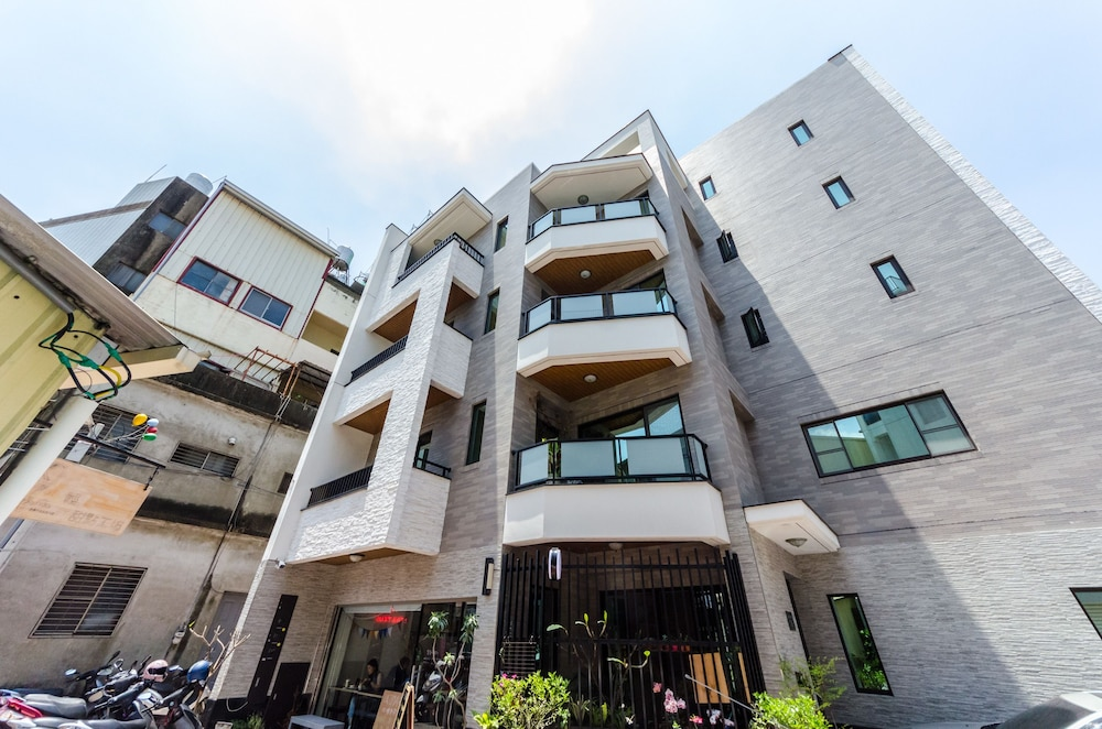 Pir2 House