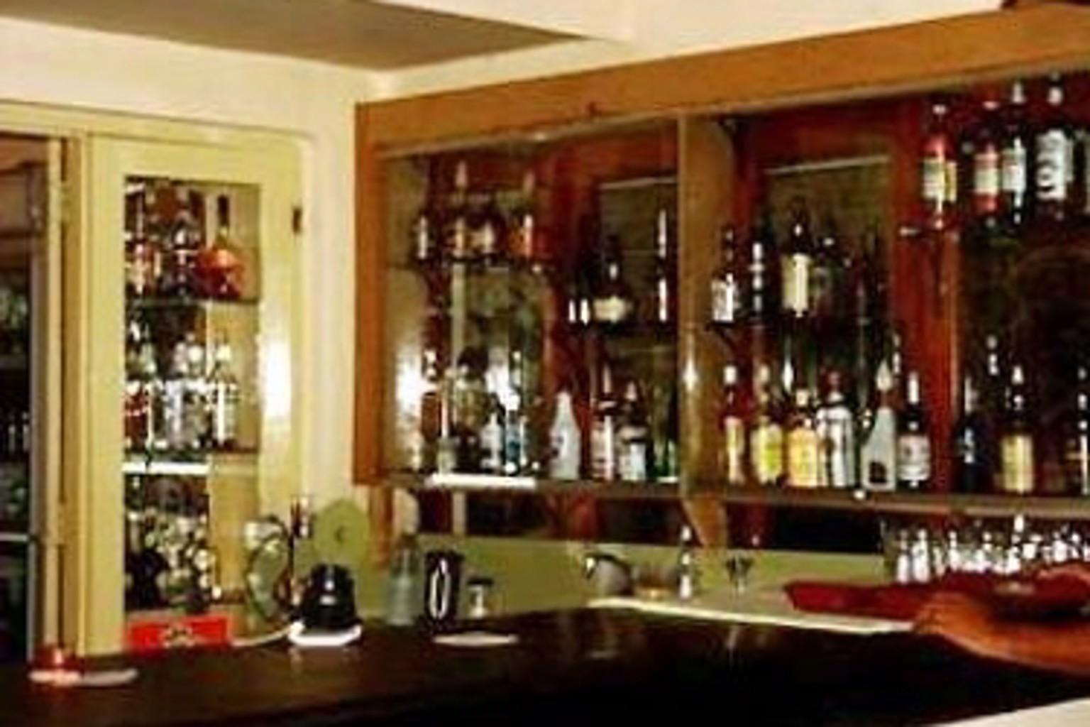 Gallery image of Nuwarawewa Rest House
