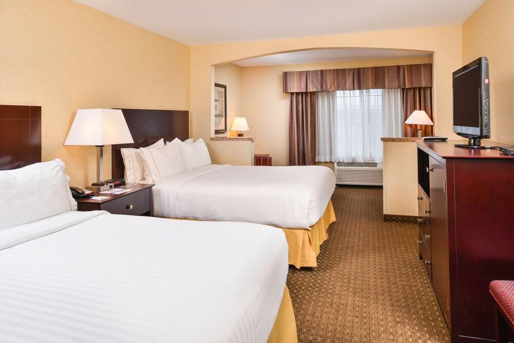 Holiday Inn Express Hotel & Suites Portland Jantzen Beach