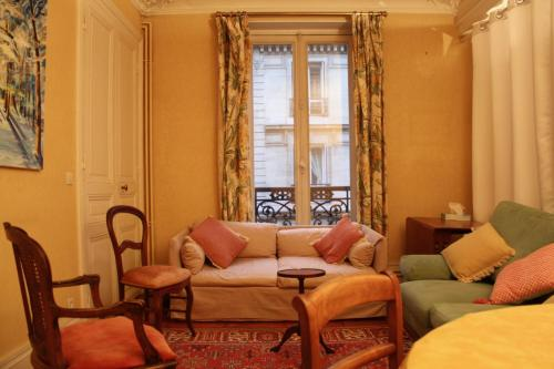 Family flat close to Jardin du Luxembourg