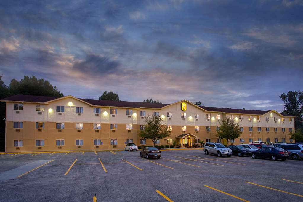 Gallery image of Super 8 by Wyndham Cromwell Middletown