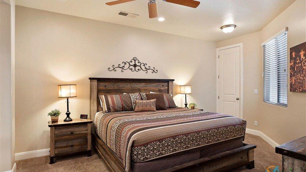 Canyon Oasis 4 Bedroom Apts