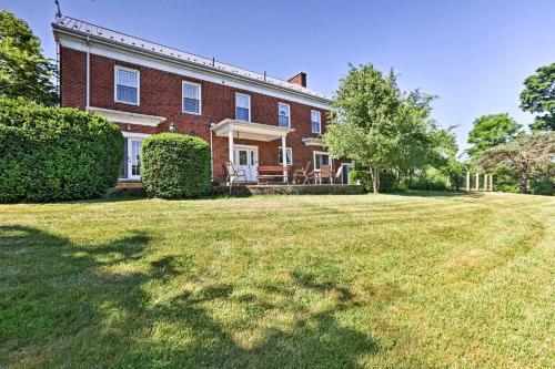Spacious House with Patio Near Historic Madison
