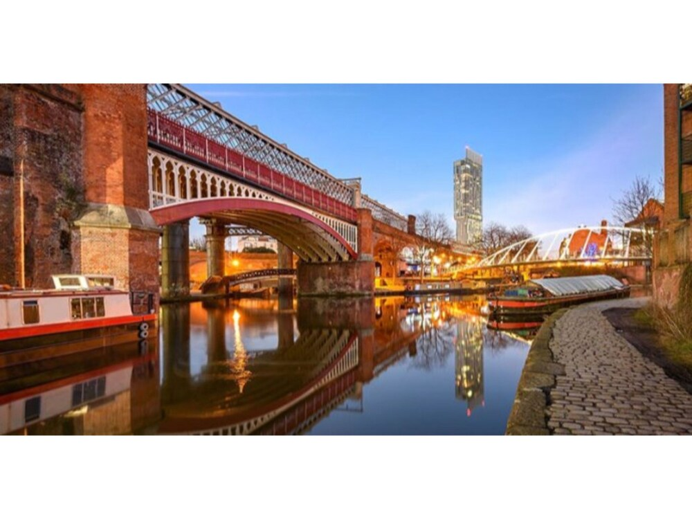 Stunning 1 bed Flat in Trendy Manchester Sleeps 4
