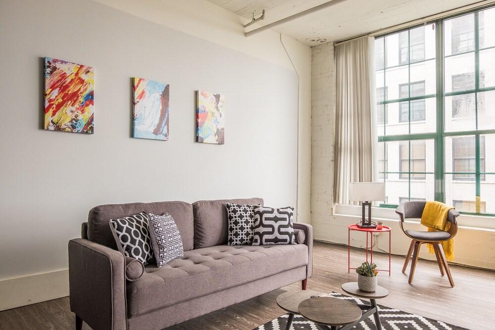Loft District Spacious Apartments