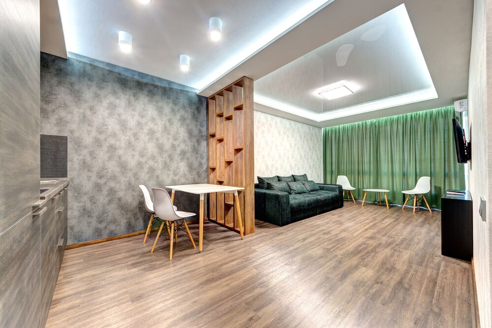 Luxury Apartment Zolotoustivska St 34