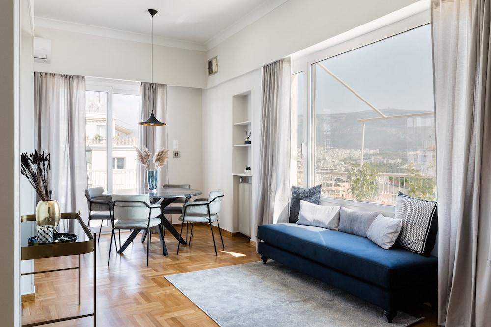 Elegant Luminous 3BD apartment in Kolonaki by UPSTREET